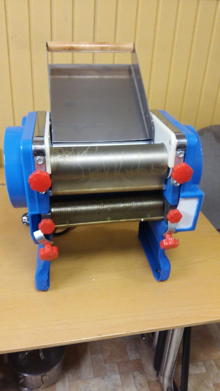 Тестораскатка-лапшерезка тестораскатка раскатка электрическая  Vektor  DZMA 200