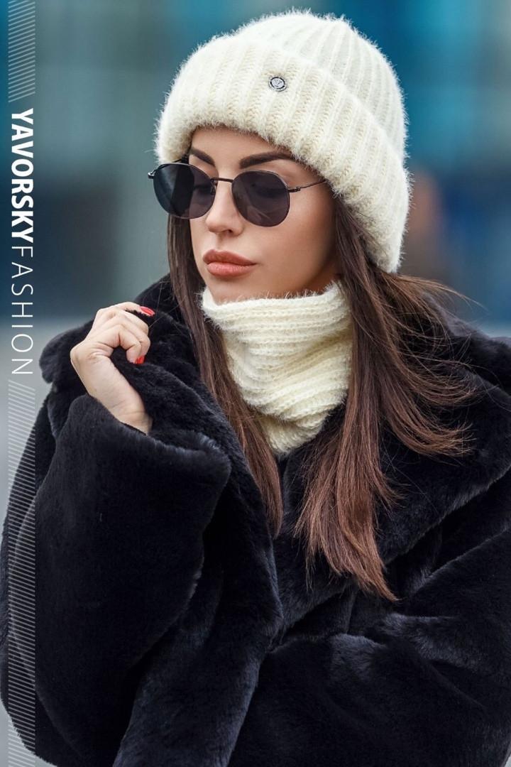 Стильный женский набор: шапка+хомут,бежевого цвета
