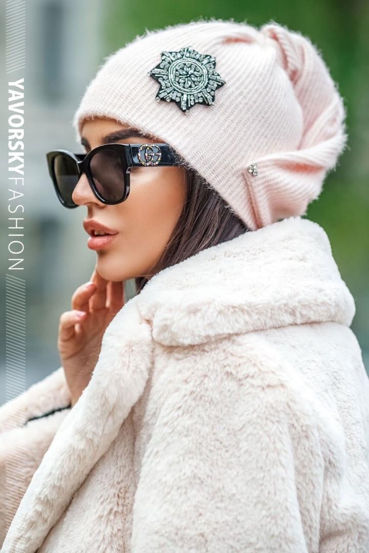 Женская стильная шапка с декором,пудрового цвета