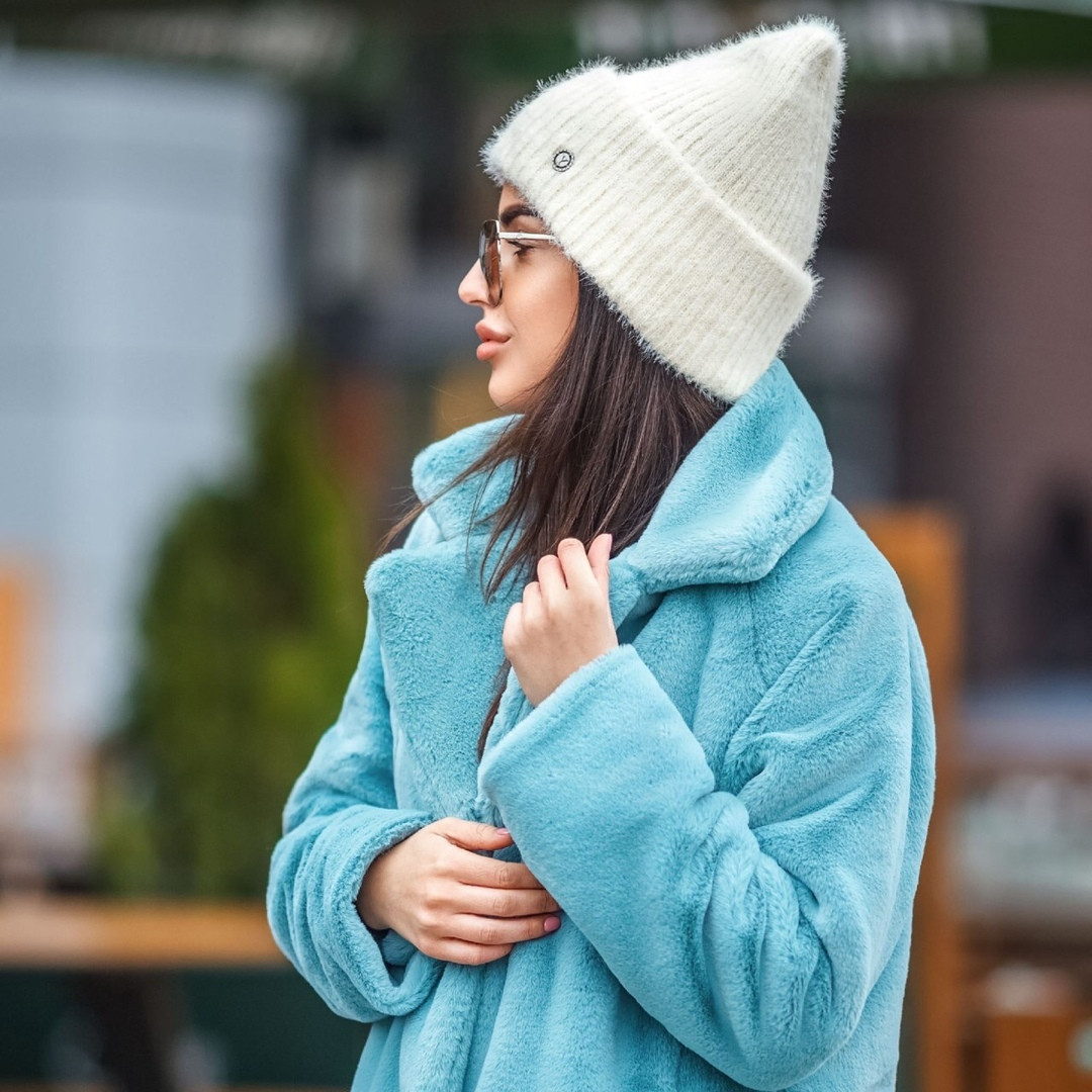 Женская зимняя теплая мягкая шапка из травки