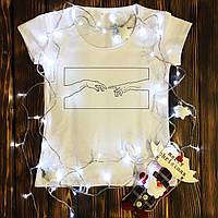 Женская футболка  с принтом - Рисунок - руки в прямоугольнике