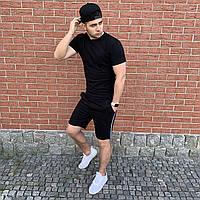 Чорні шорти з лампасами і чорна футболка / Літні комплекти для чоловіків