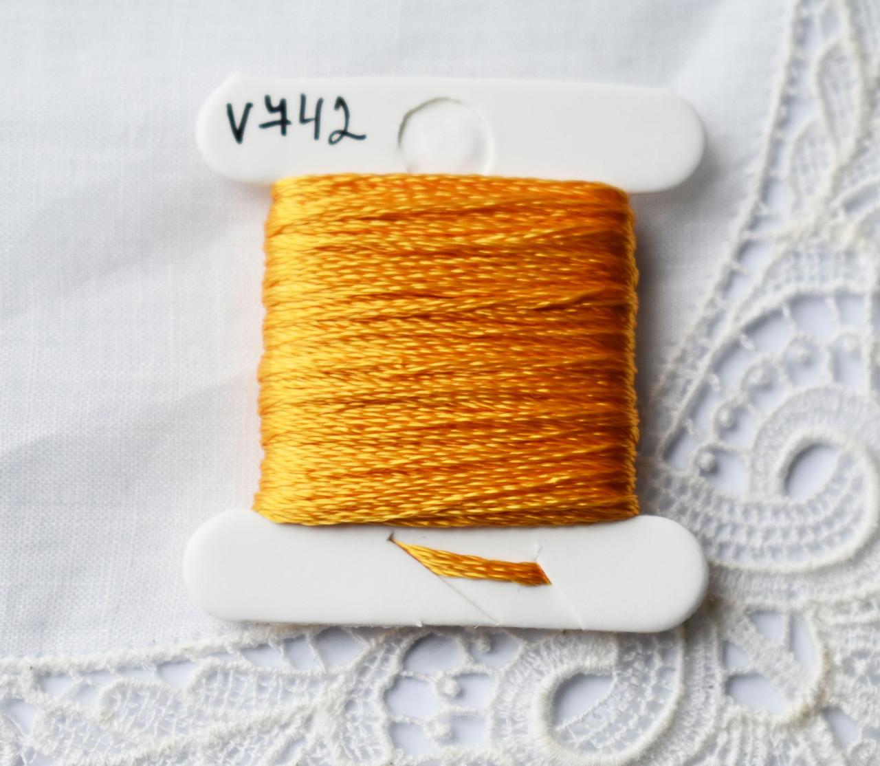 Мулине вискоза, 4м, 6 сложений, светло оранжевый