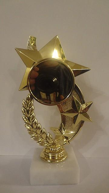 Статуетка RP8909-6 для жетоном Ø50 3 зірки,H-15cm.
