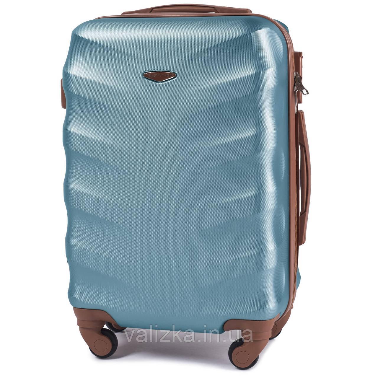 Чемодан из поликарбоната малый S+ ручная кладь Wings с кофейной фурнитурой на 4-х колесах голубой