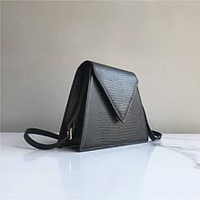 Сумка треугольной формы с ремешком / натуральная кожа #961 Черный