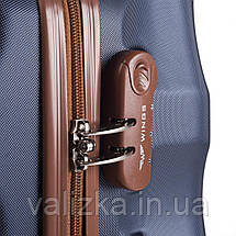Большой чемодан из поликарбоната Wings с кофейной фурнитурой на 4-х колесах серебряный, фото 3