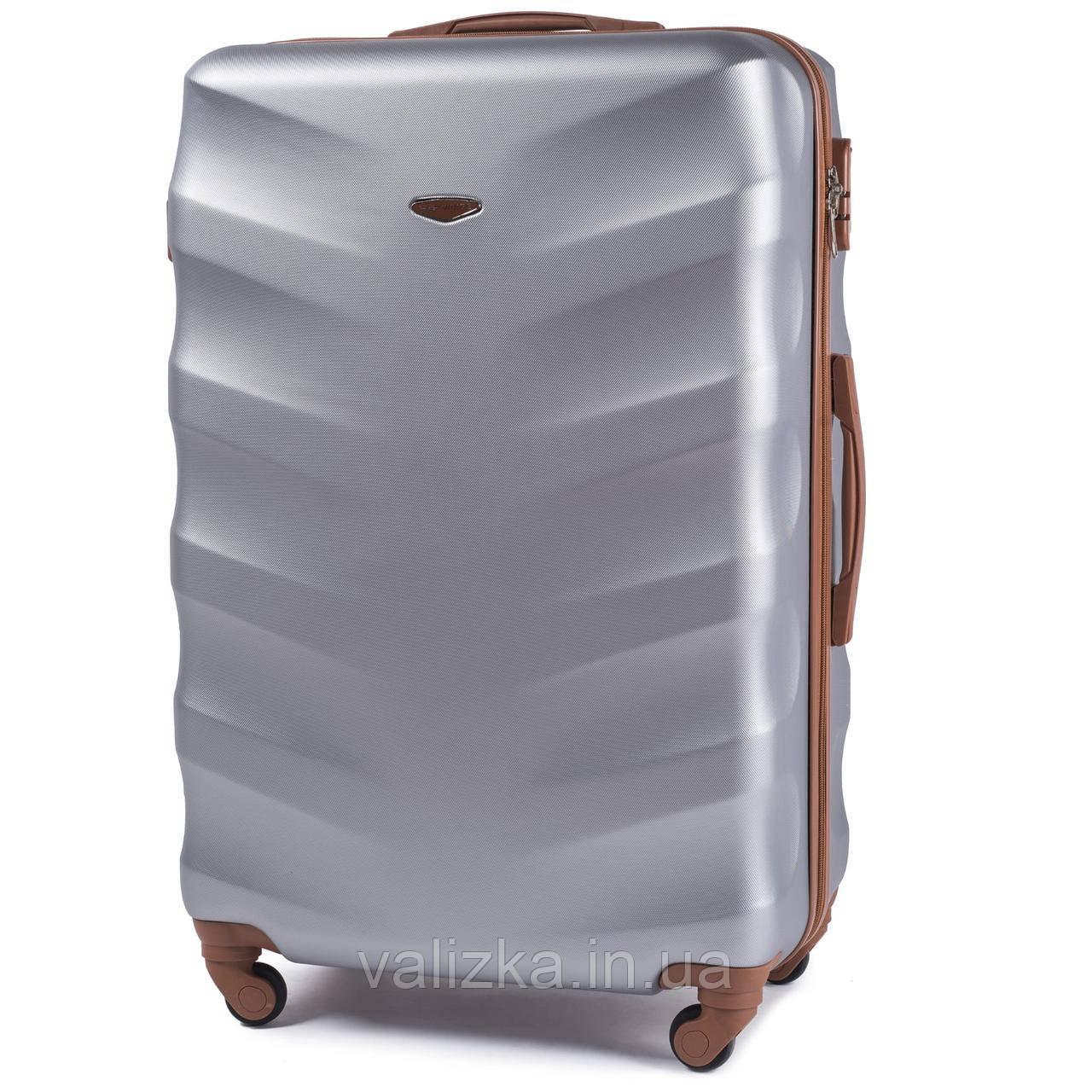 Большой чемодан из поликарбоната Wings с кофейной фурнитурой на 4-х колесах серебряный
