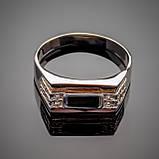 Серебряное кольцо  с золотыми вставками Роман с черным оником и фианитами, фото 2