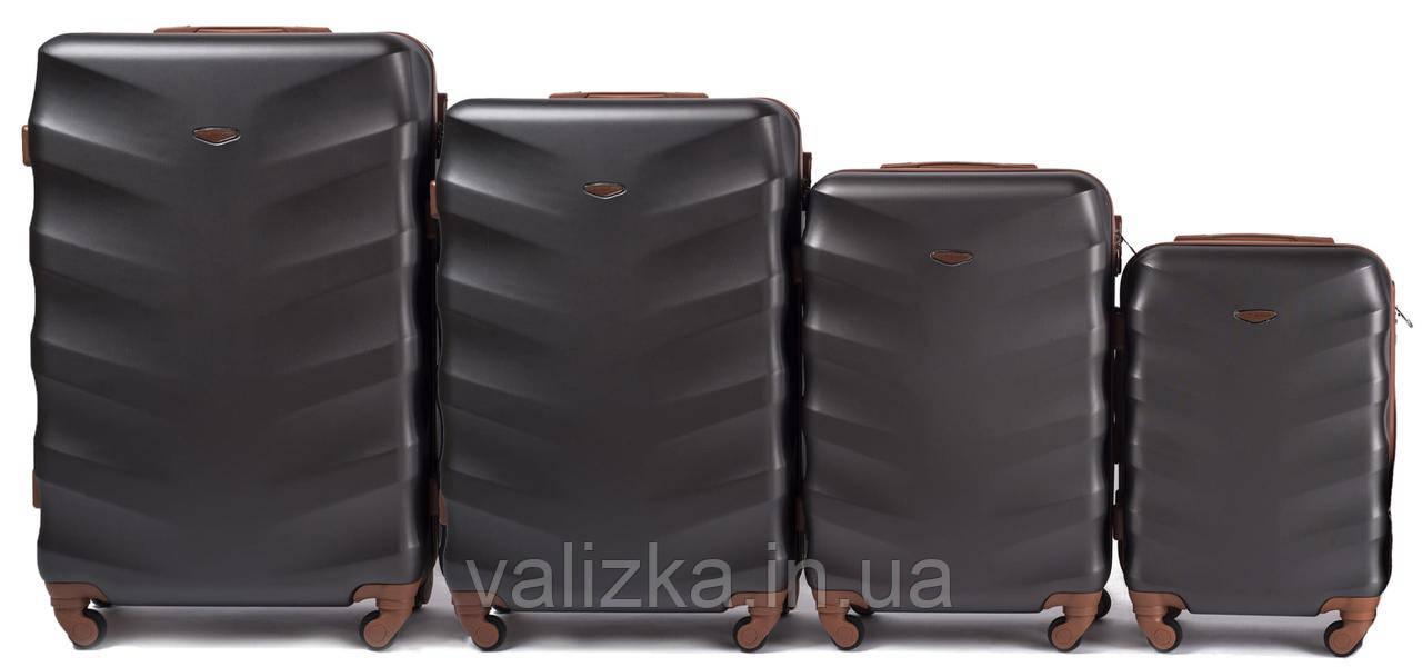 Комплект чемоданов пластиковых 4 штуки мини, малый, средний, большой Wings с кофейной фурнитурой графит
