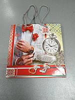 Пакет бумажный подарочный 16*16*8 см