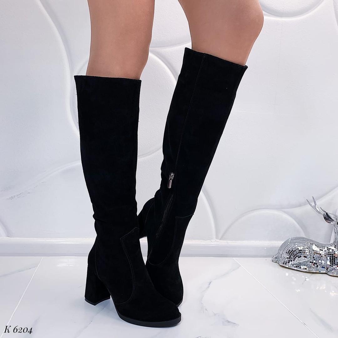 Сапоги до колена на каблуке