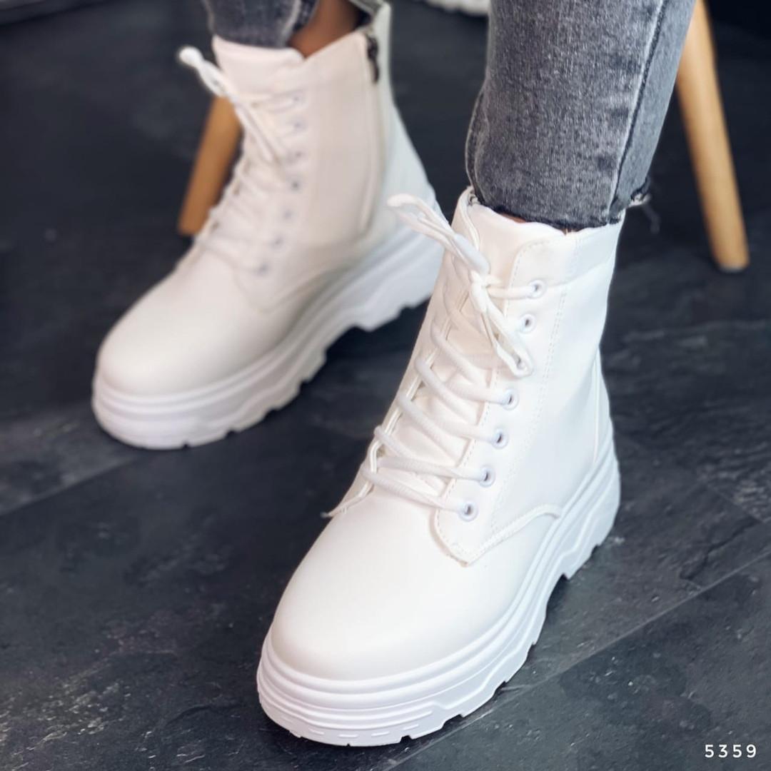 Прочные ботинки