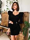 Трикотажное платье с фигурным вырезом и отделкой на плечах 14plt668, фото 3