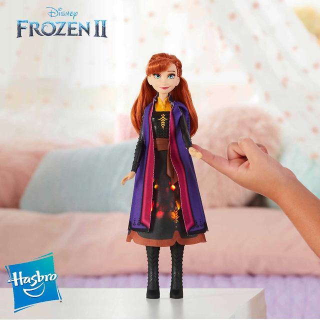 Disney Frozen (Hasbro) Кукла Анна Hasbro Frozen с мерцающим платьем E6952E