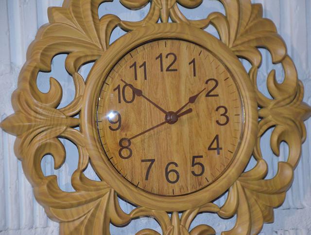Часы настенные необычные