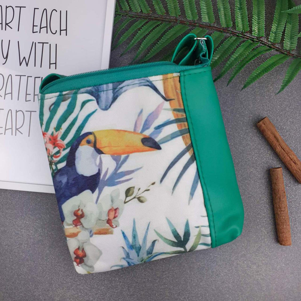 Зеленая сумка для девочки с принтом Тукан