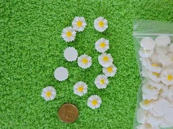 Пластиковые бусины Ромашки