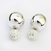 Серьги пуссеты, фактура глянцевая, цвет серебро, гвоздик белый декорированный кристаллами, фото 1