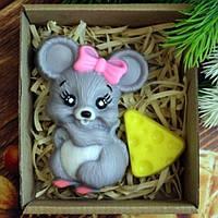 Символ года 2020 Мыло Новогодняя Мышка с бантиком + сырок в коробке