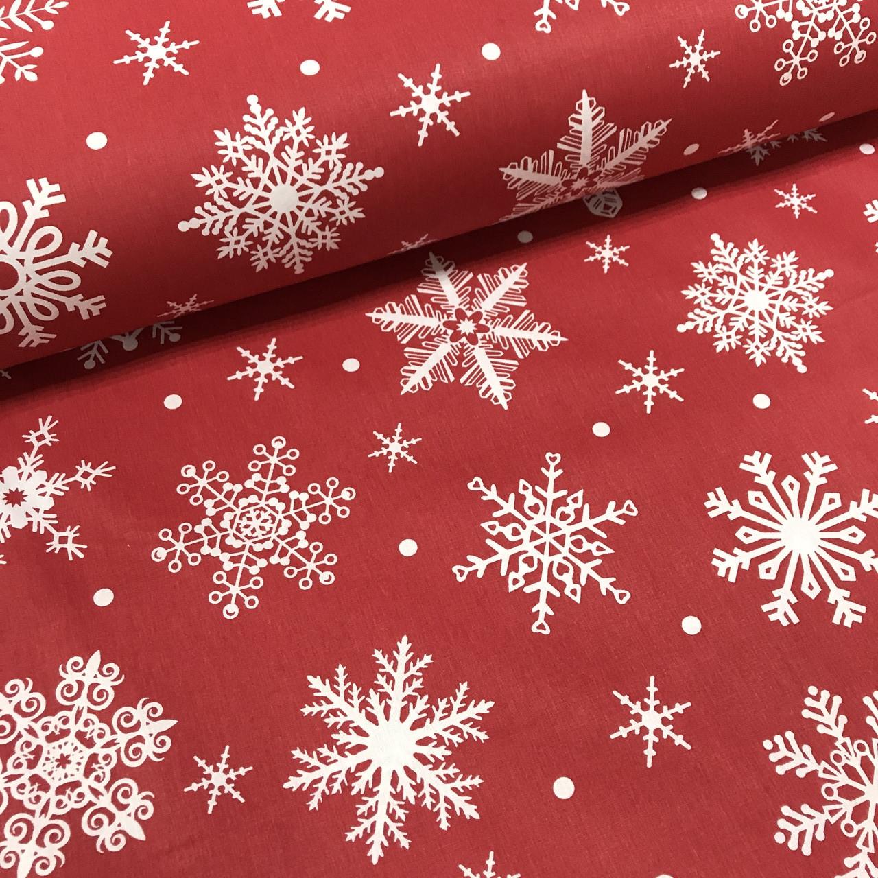 Ткань поплин снежинки белые редкие с горошком на красном (ТУРЦИЯ шир. 2,4 м)