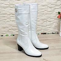 Сапоги женские белые кожаные на невысоком устойчивом каблуке. Батал, фото 1