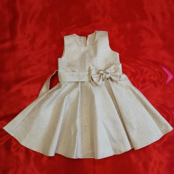 Платье на утренник для девочки 3-5 лет