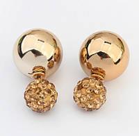 Серьги пуссеты, фактура глянцевая, цвет золото, гвоздик коричневый декорированный кристаллами, фото 1