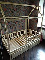 Кроватка Домик с вертикальным бортиком и ящиками
