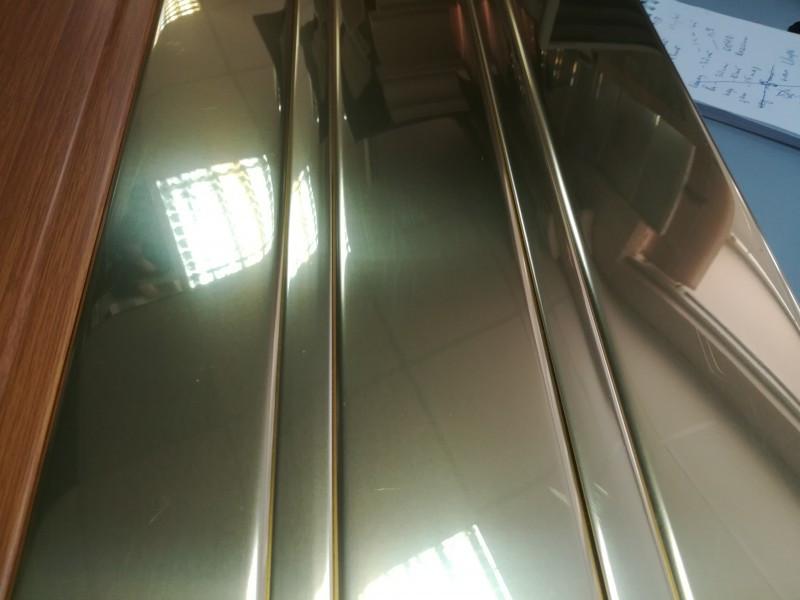 Реечный алюминиевый потолок Allux золото зеркальное глянцевое комплект 180 см х 200 см