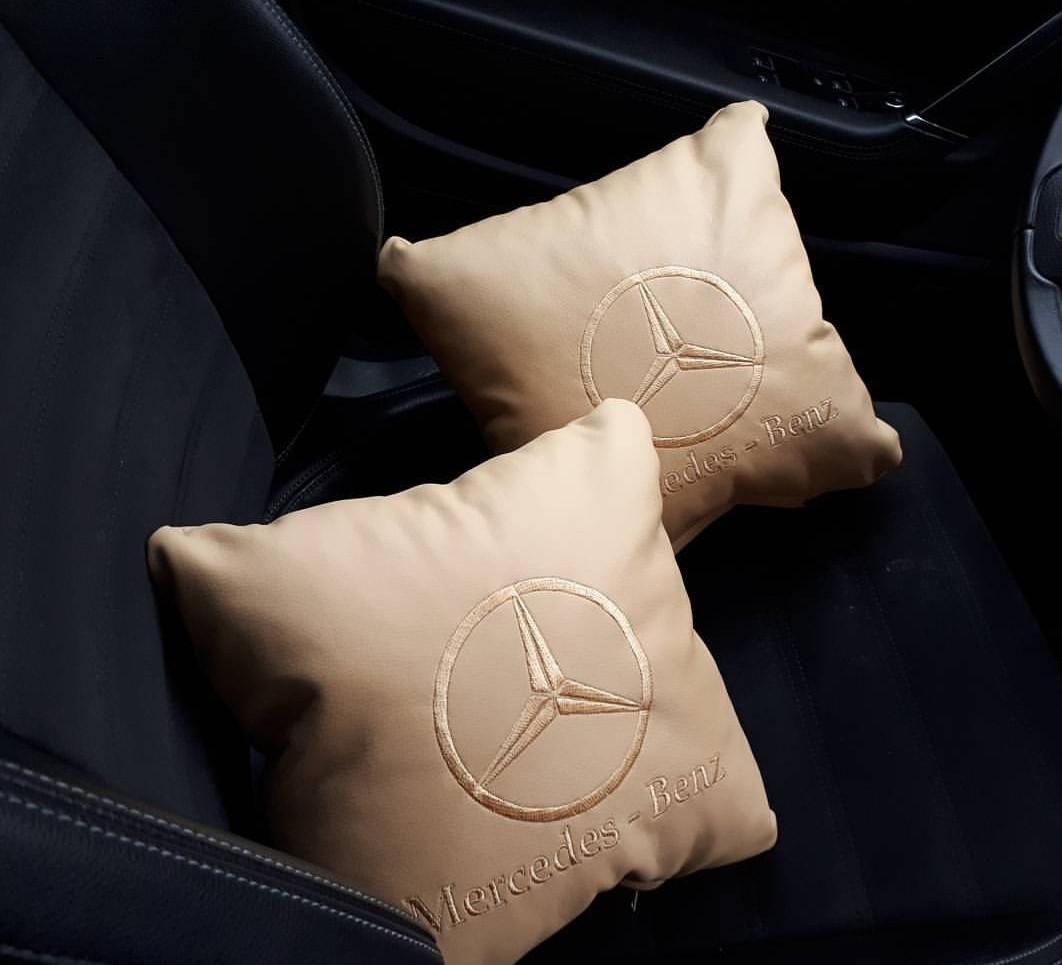 """Набор подушек с логотипом и гос номером """"Mercedez-Benz"""""""