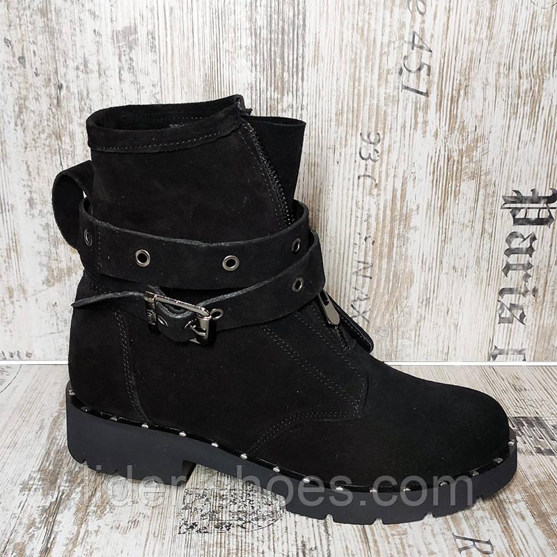 Женские зимние ботинки на низком ходу