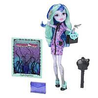 Monster High Твайла из серии новый Скарместр