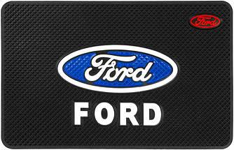 Противоскользящий коврик в машину Ford (20х13 см)