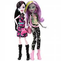 Monster High Набор из 2-х кукол Дракулаура и Моаника Добро пожаловать в Школу Монстров Welcome to Monster High 2 Pack Ft Draculaura & Moanica D'Kay