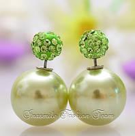 Серьги пуссеты, фактура перламутр, цвет светло-зеленый, гвоздик декорированный кристаллами