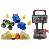 Hot Wheels Игровой набор Арена для трюков с машинкой монстр джам 1:64 Monster Jam Crash and Carry Arena Play Set