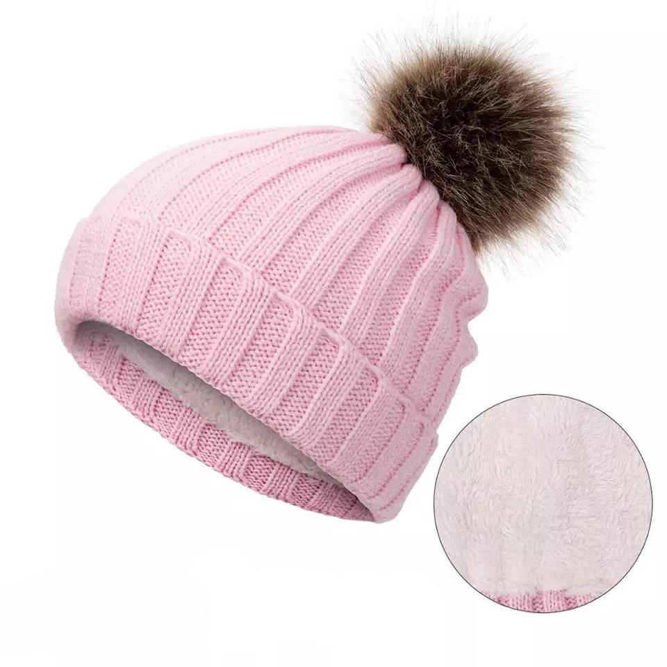 Детская зимняя утепленная шапка на меху с помпоном на девочку 7 - 8 - 9 - 10 - 11 лет, пудра светло-розовая