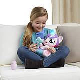 My Little Pony Интерактивная пони-принцесса малышка Флари Харт испанский язык B5365 Baby Flurry Heart Pony, фото 3
