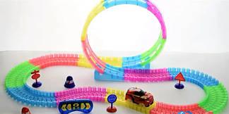 Детский игрушечный трек для машинок на пульте управления Dazzle Tracks 187 деталей