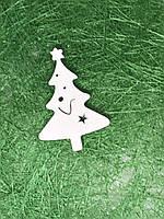 Новогодний декор - елка из дерева,  5х3,3 см.,  цвет белый