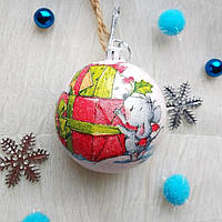 Новогодний ёлочный шар с мышкой и подарками ручной работы в технике декупаж.