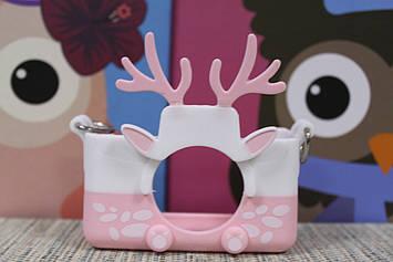 Чехол силиконовый на детский фотоаппарат розовый олень