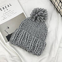 Женская шапка Хельсинки с бубоном серая