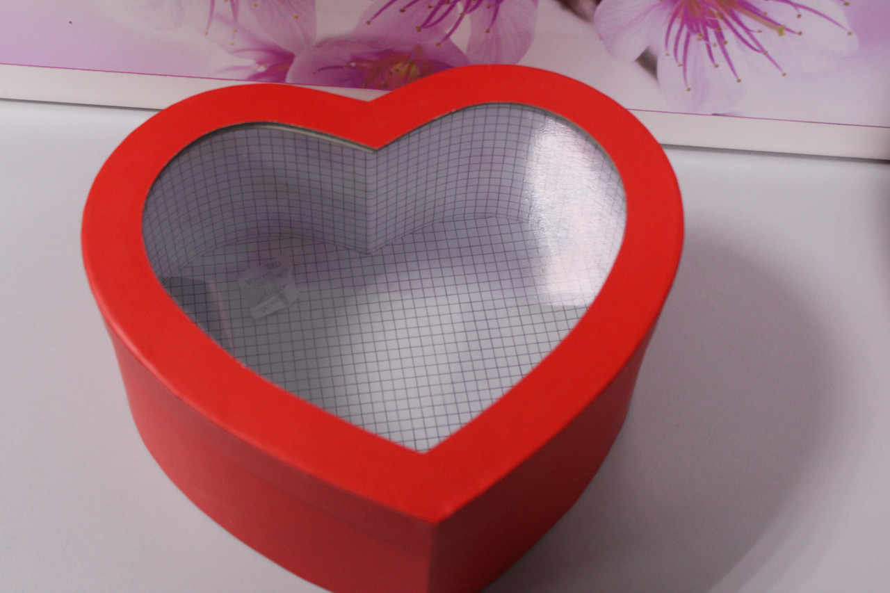 Подарочная коробка сердце красная 26.5 см