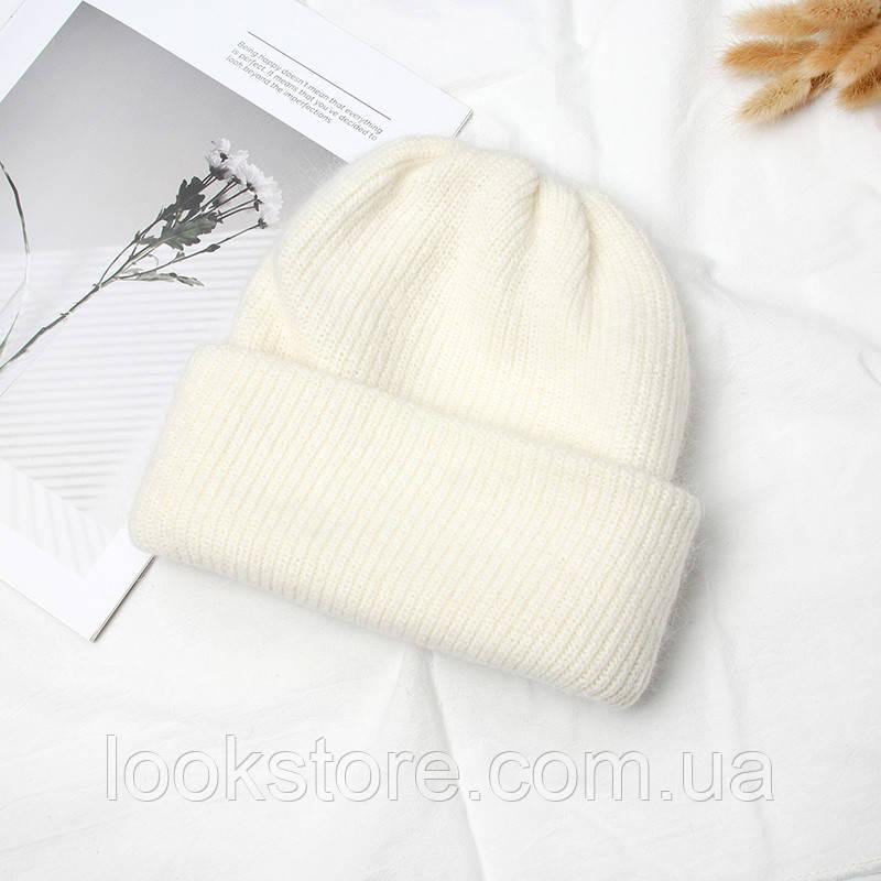Женская теплая ангоровая шапка молочная