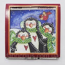 """Набор для вышивки бисером (магнит-мини) """"Семейка пингвинов"""" 50*50 мм"""