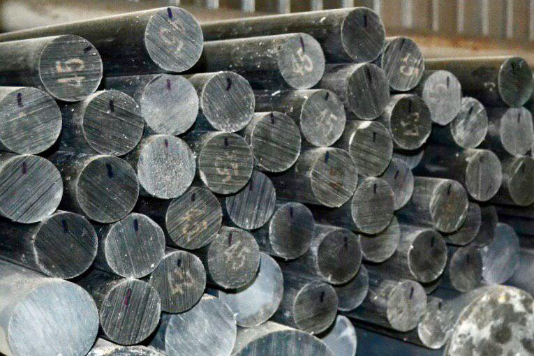 Стрижень капролоновый з графітом (поліамід), діаметр 40 мм