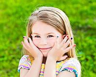 Даже маленькие девочки нуждаются в маникюре