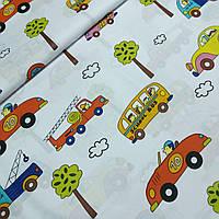 Ткань с машинками и школьными автобусами, ширина 160 см